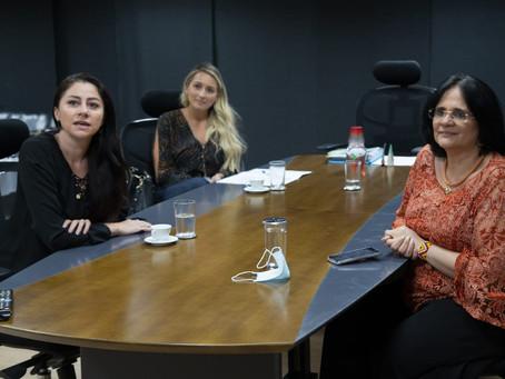 Liziane Bayer solicita priorização de conselheiros tutelares para vacinação contra covid-19