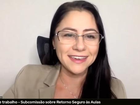 Liziane Bayer participa de debate sobre retorno seguro às aulas