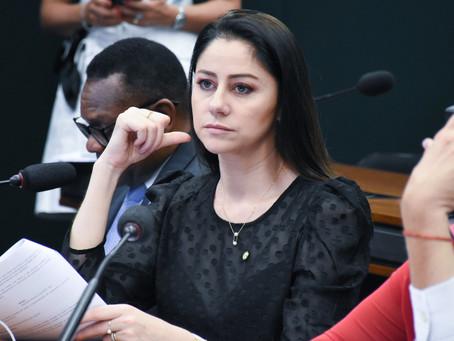 Liziane Bayer é eleita membro titular da Comissão de Educação da Câmara
