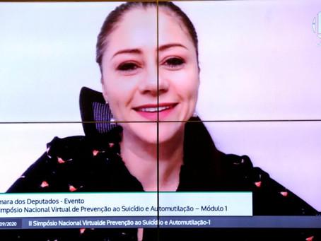 Liziane Bayer alerta sobre o aumento de casos de suicídio entre jovens