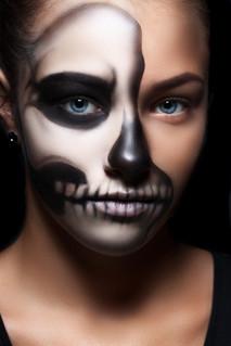 Skull half-face