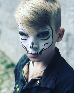 Simple mask skull