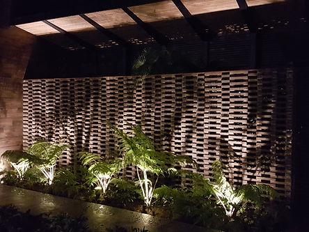 jardín iluminación noche