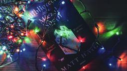 """""""Biblioteca de la miezul nopții"""", de Matt Haig: alergăm după fericire sau învățăm să fim fericiți?"""