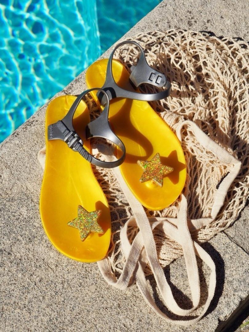 étoile_jaune_piscine.jpg