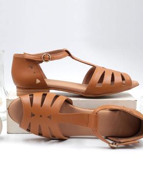 flat_vegan_camel_sandals_swivells.jpg
