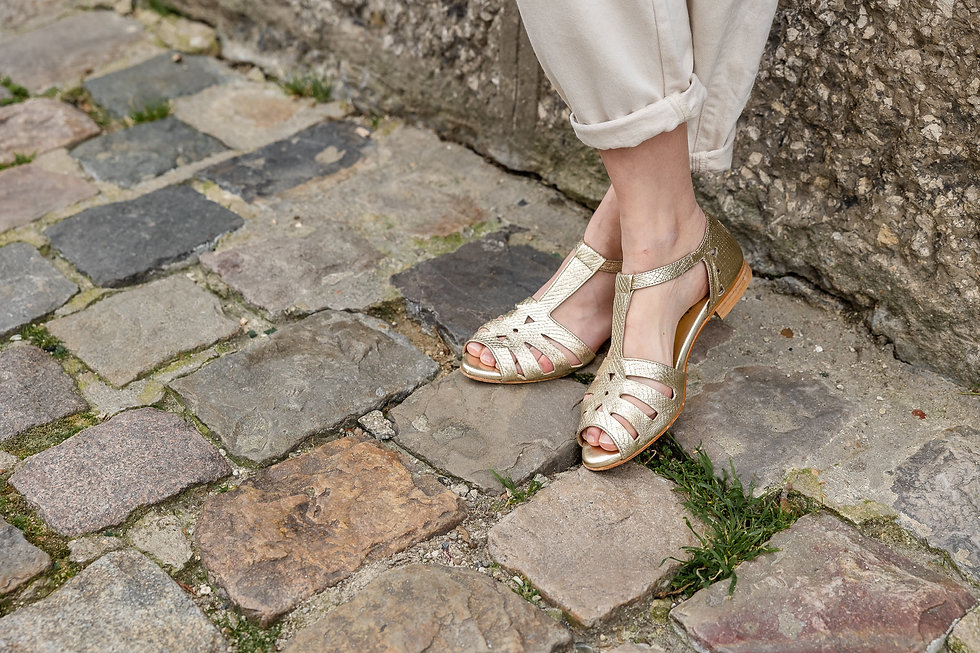 gold_sandals_swivells.jpg