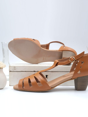 high heels_vegan_camel_sandals_swivells.jpg
