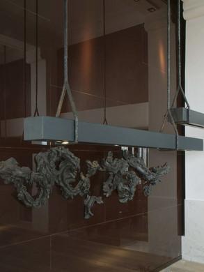 SBALINI-oversized-bronze-suspension-POUT