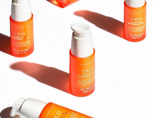 Anti-Aging Skincare: How To Pair Vitamin C Serum With Your SPF.