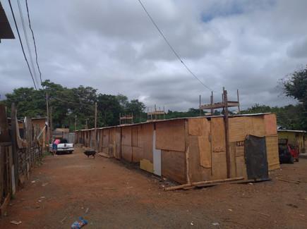 Novos barracos da prefeitura após incên