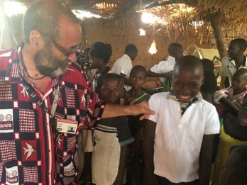 Donación de uniformes con destino a Burkina Faso
