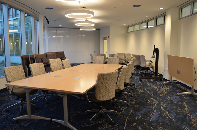 Furnished High-Tech Media Conf Center
