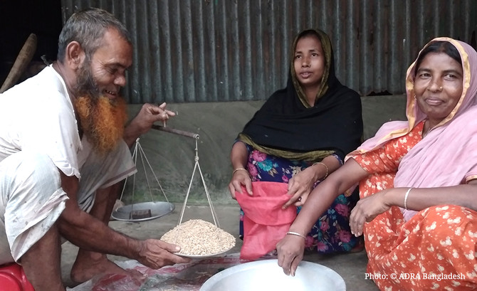 Joynal Has Achieved Financial Emancipation by Selling Seeds