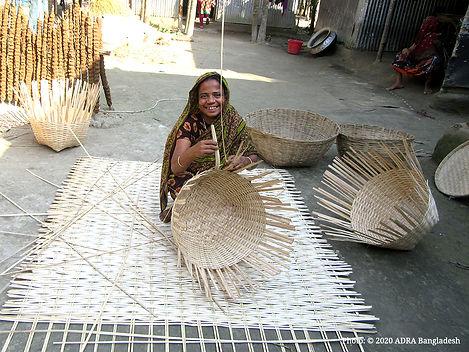 Halima is preparng handicrafts.jpg