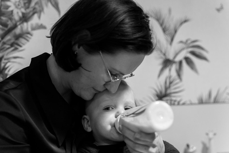 mother nursing