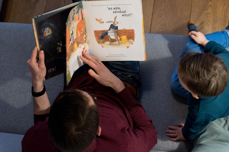 toddler reading time