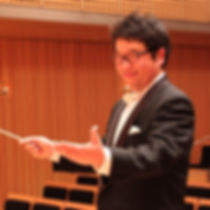 クラルテウインドの総監督兼指揮者の写真