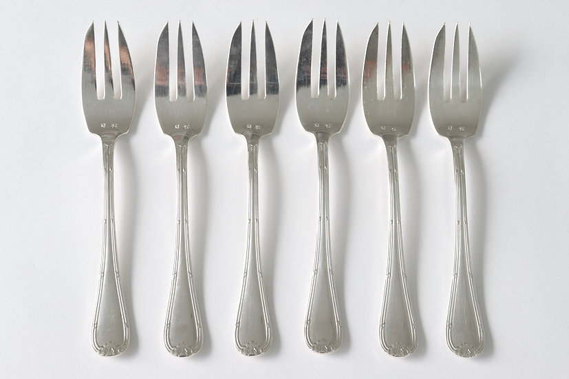 silver plated gateaux fork/C