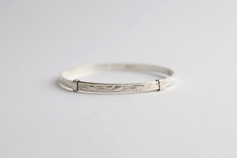 sterling silver bangle/floral