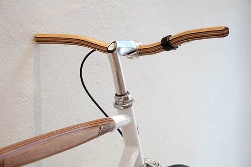 WOODEN HANDLE BAR