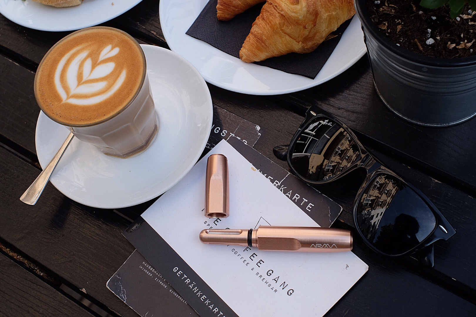 arma rose gold with coffee