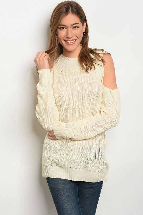 CREAM LIGHT SPRING KNIT SWEATER