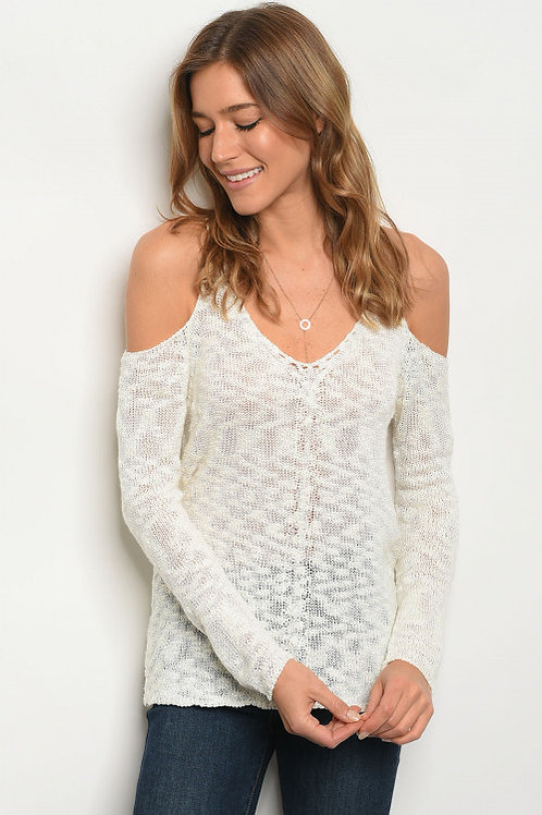 IVORY TOP SWEATER