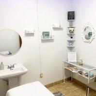 Wax-Lash Room