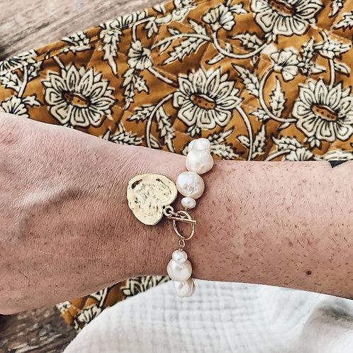 Bracelet avec perles et coeur doré