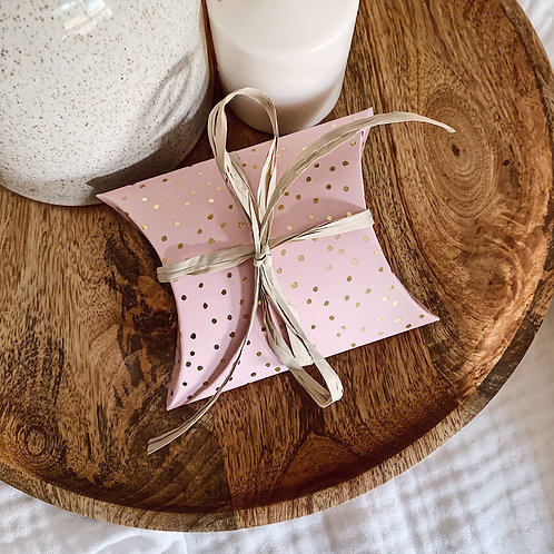 Pochette cadeau rose à pois bis