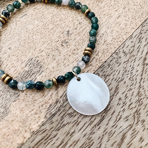 Bracelet avec perles et nacre