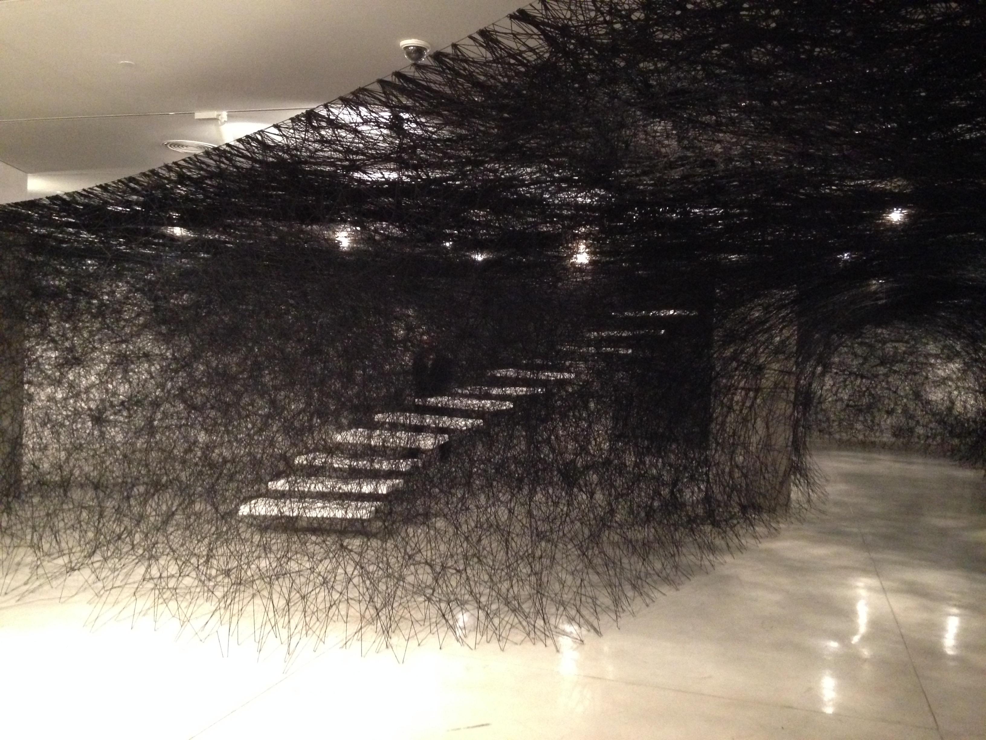 מדרגות במוזיאון