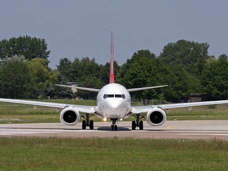 ¿Por qué las alas de los aviones son inclinadas? El ángulo Diedro