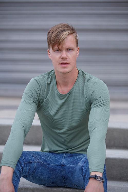 Men Pullover sweater light green D09