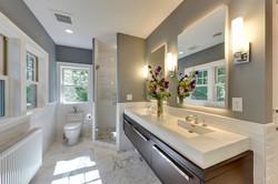 Bathroom Lynnhurst Transitional