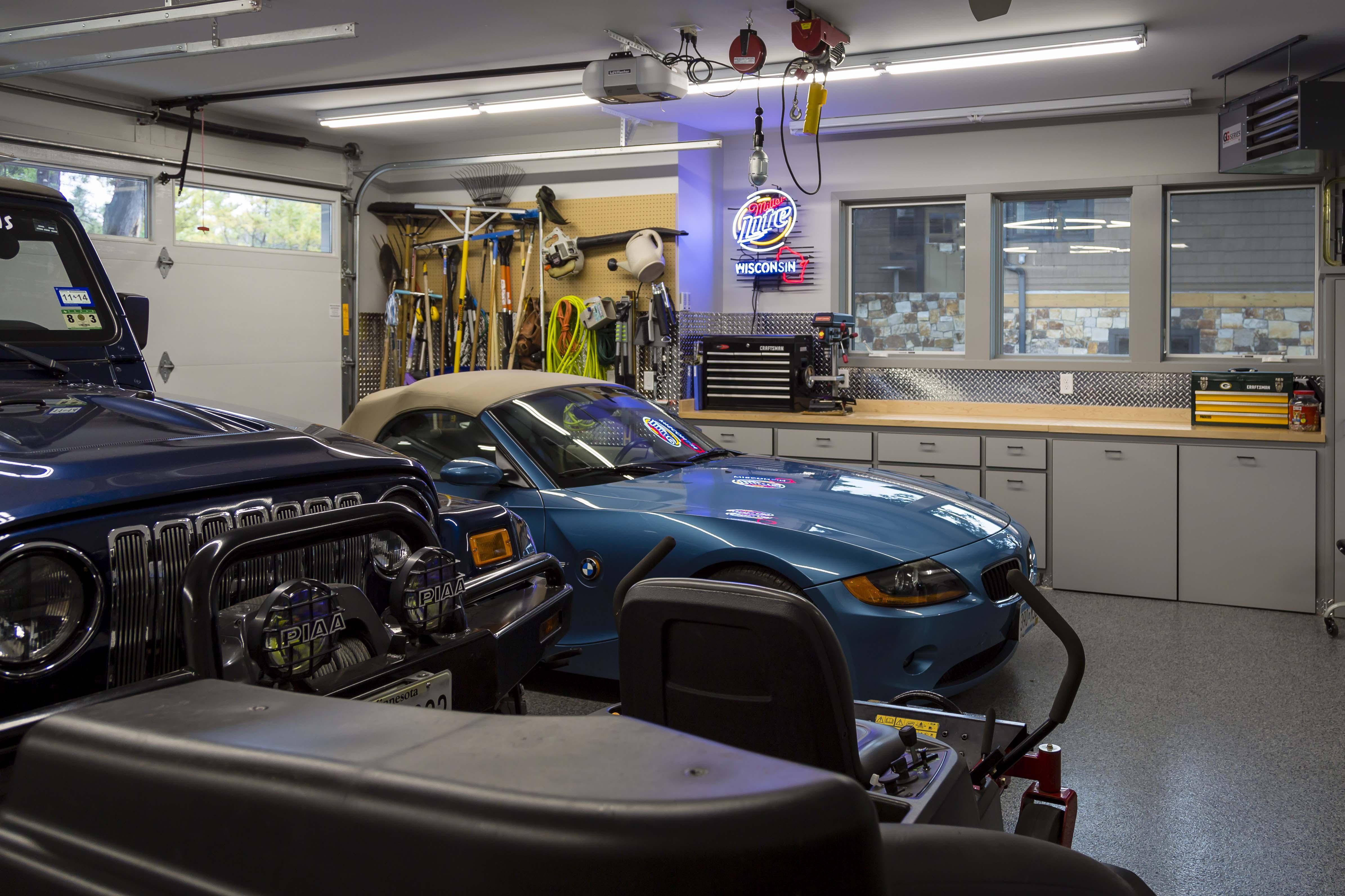 Garage Prior Lake Modern