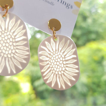 Sunflower sunlight catcher with round stud earrings