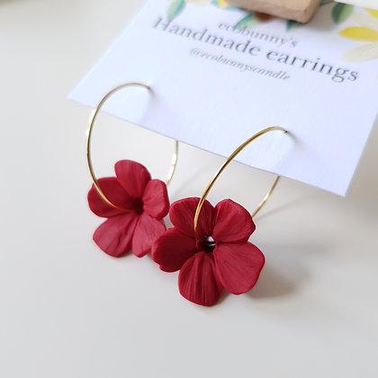 Flower on earring hoops / dark red