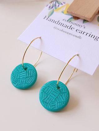 Circular button earrings / blue-green 1.8cm