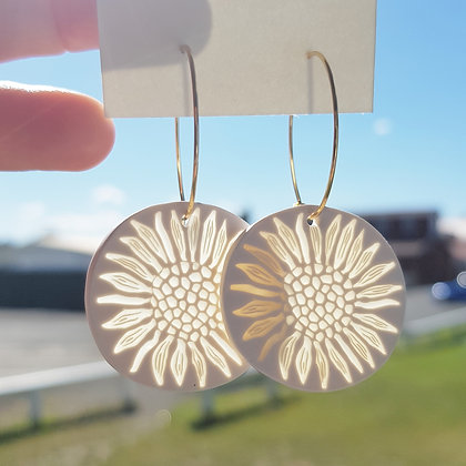 Sunflower sunlight catcher with surgical steel earringhoops
