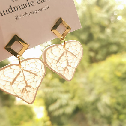 Leaf sunlight catcher with stud earrings