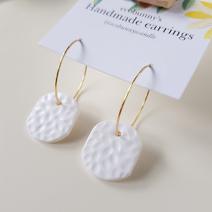 Rectangular button earrings / clean white 2cm