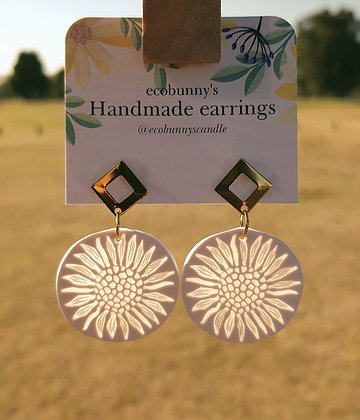 Sunflower sunlight catcher with stud earrings