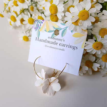 Flower on earring hoops / vintage white