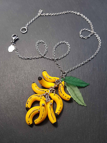 Collier original et amusant, mini bananes & feuilles vertes