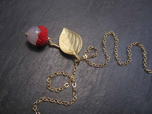 Collier plaqué or, letchi & feuillage - 2737