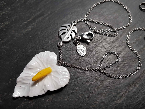 Collier exotique fleur d'anthurium & feuille de monstera / blanc - 2744