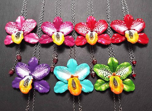 """Collier """"Orchidée solitaire"""", coloris au choix"""