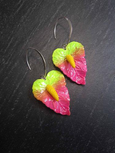 Longues boucles exotiques fleurs d'anthurium / vert rose -2743